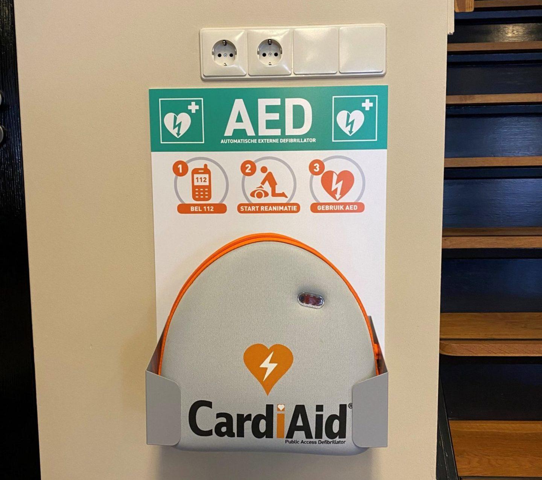 AED aanwezig in onze salon