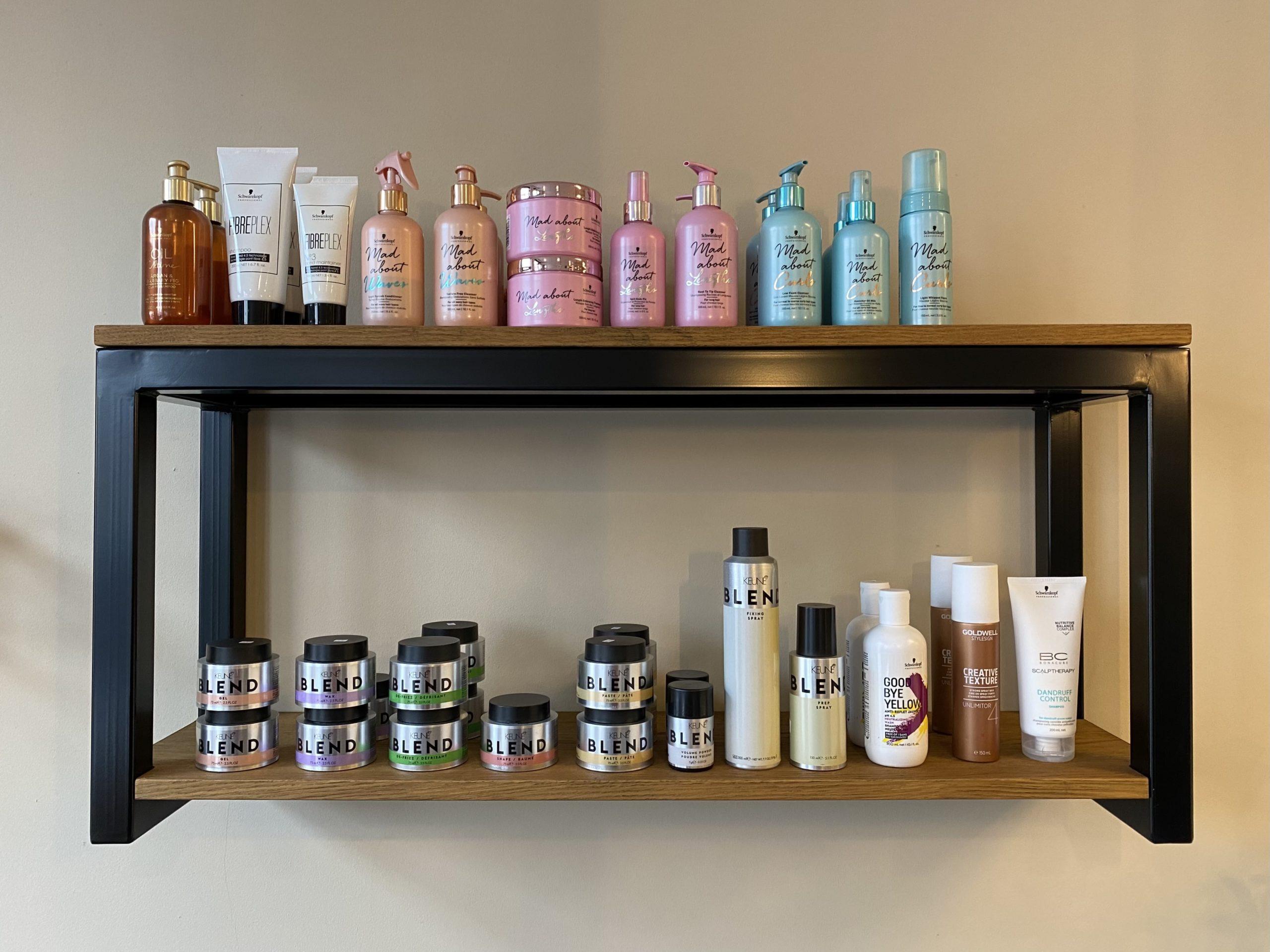 Producten damessalon (boven balie)
